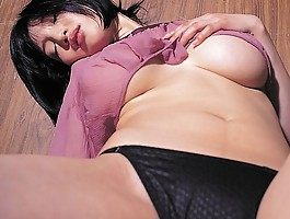 Yuuri Morishita teases with her massive G cup breasts